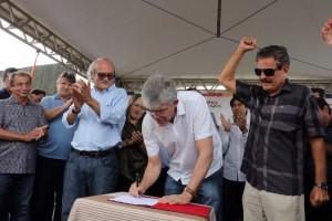 Governo autoriza implantação de adutora que levará água à população de Mata Limpa