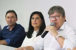 Governador reforça compromisso de normalizar em até 72h abastecimento d'água em CG